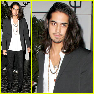 avan jogia dating 2013 Avan jogia, february 9, 1992 he played beck from march 2010, through to the fourth and final season in 2013 avan jogia was dating actress zoey deutch.