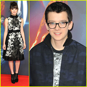 Hailee Steinfeld & Asa Butterfield: 'Ender's Game' Photo Call in Berlin