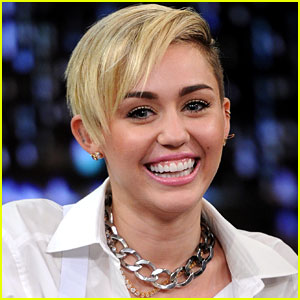 Miley Cyrus to Perform at the American Music Awards 2013