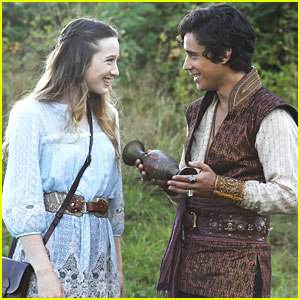 Sophie Lowe: New 'Once Upon A Time in Wonderland' Tonight!