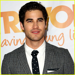 Darren Criss Sings 'A Whole New World' with 'Aladdin' Voice Actor Lea Salonga (Video)