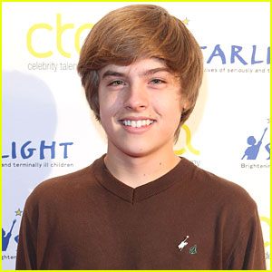 Dylan Sprouse Responds to Nude Photo Leak