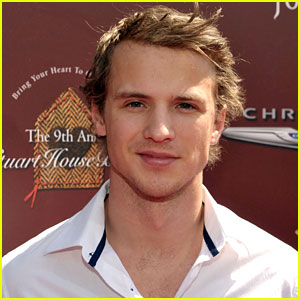 Freddie Stroma Joins 'The Inbetweeners Movie 2'