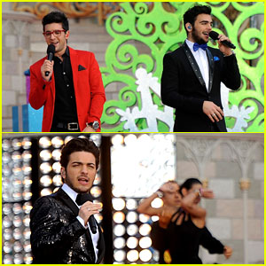 Il Volo: 'Feliz Navidad' at Disney Parks Christmas Parade - Watch Now!