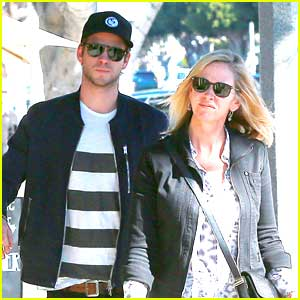 Liam Hemsworth: Furniture Shopping with Mom Leonie