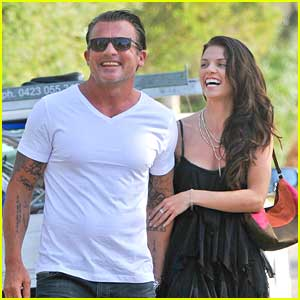 Dominic Purcell Breaki...