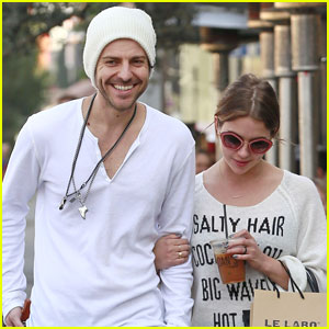 Ashley Benson & Ryan Good: Arm-in-Arm in L.A.