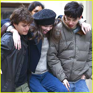 Hailee Steinfeld & Asa Butterfield: 'Ten Thousand Saints' Set in NYC