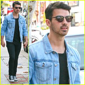 Joe Jonas Runs Late To Lunch with Paris Carney & Greg Garbowsky