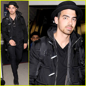 Joe Jonas: The 'Marc Jacobs' Fashion Show Was 'Dreamy'