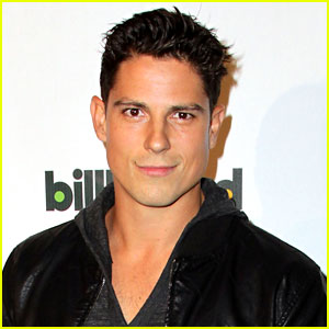 Tips: Sean Faris, 2017s alternative hair style of the happy conceited  actor