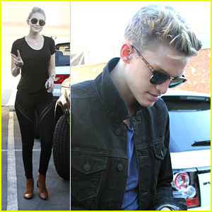 Gigi Hadid Visits Cody Simpson at DWTS Practice