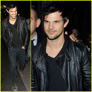 Taylor Lautner Cracks Up with Friends While Out in London