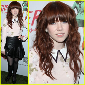 Carly Rae Jepsen Hits up the 'Heathers' Off-Broadway Debut!