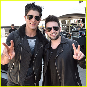 Dan + Shay: Stagecoach Country Music Festival 2014 Performance Pics!