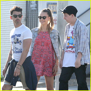 Joe Jonas & Blanda Eggenschwiler: Easter Brunch With Frankie Jonas!