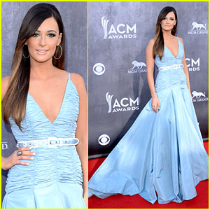 Kacey Musgraves Stuns on ACM Awards 2014 Red Carpet!
