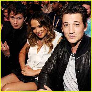 Miles Teller & Ansel Elgort Send Peace From MTV Movie Awards 2014