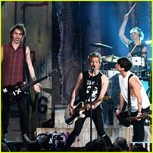 5 Seconds of Summer Make Billboard Music Awards 'Perfect'!