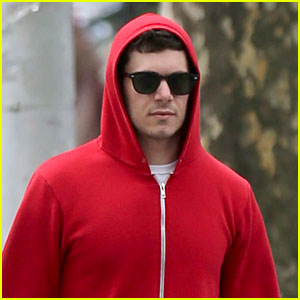 Adam Brody Does Dog Duty While Leighton Meester Performs on Broadway!