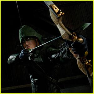 'Arrow' EP Andrew Kreisberg Previews Tonight's 'Game-Changing' Season Finale! (JJJ Interview)