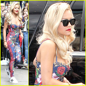 Rita Ora is Overwhelmed By New York!