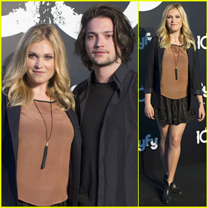 Eliza Taylor & Thomas McDonell Attend Madrid Photo Call Ahead of 'The 100' Finale