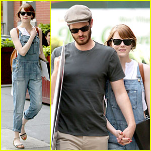 Emma Stone & Andrew Garfield Look So Cute Shopping For Posters!