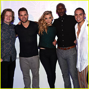 'Hunger Games: Mockingjay' Cast Members Take Over Comic-Con!