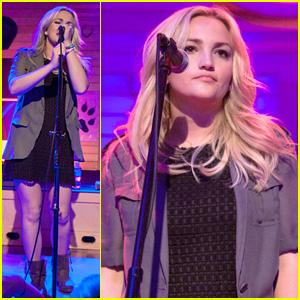 Jamie Lynn Spears Plays Vegas, Just Like Her Sister Britney!