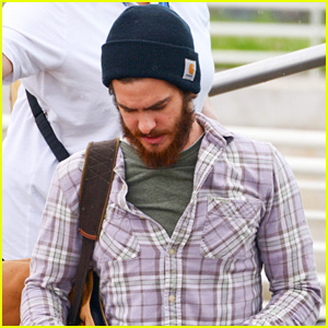 Andrew Garfield Arrives in Venice for Film Festival After Girlfriend Emma Stone