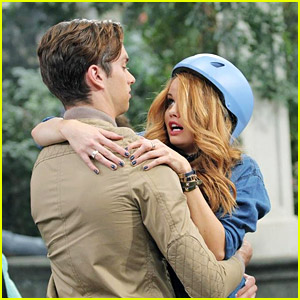Debby Ryan & Pierson Fode Have The Cutest Meet-Cute Ever On 'Jessie' - Sneak Peek!