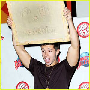 YouTube Rapper Jake Miller Causes Chaos At Planet Hollywood, Drops 'First Flight Home' Music Video!