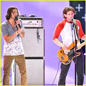 Band Magic! Are Anything But 'Rude' at Teen Choice Awards 2014