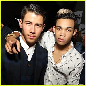 Nick Jonas Reunites with 'Camp Rock' Pal Roshon Fegan at VMAs Af
