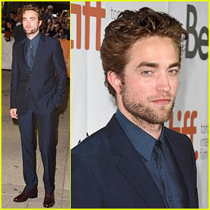 Robert Pattinson Says Sister Lizzy Is Really Good at Singing