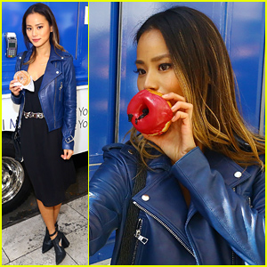 Jamie Chung Celebrates Apple Pay with Yummy Doughnuts!