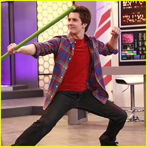 It's Brother Versus Brother On 'Lab Rats' Tonight!