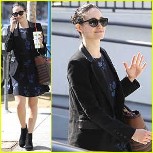 Vote Emmy Rossum For 'Favorite Cable TV Actress' at People's Choice Awards 2015