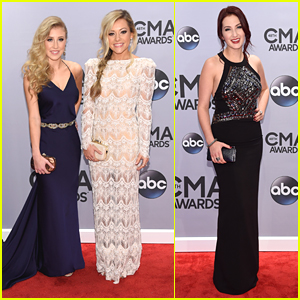 Country Duo Maddie & Tae Glam Up The CMA Awards 2014 - See The Pics!