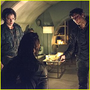 Finn & Bellamy Get Rough In Interrogations on 'The 100'