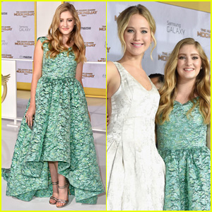 Willow Shields Twinkles in Teal at 'Hunger Games: Mockingjay' L.A. Premiere