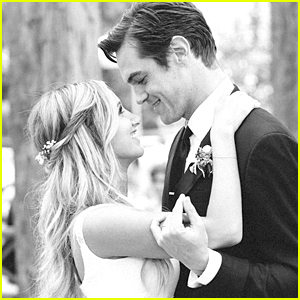 Ashley Tisdale Reflects on 2014 with New Wedding Pic with Hubby Christopher French