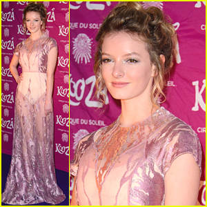 Golden Compass Star Dakota Blue Richards Jokes About Granny Panties After Wearing Sheer Dress at 'Kooza' Press Night
