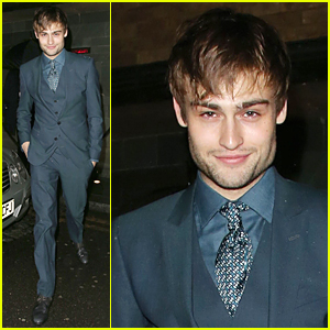 Douglas Booth is Suave For GQ London Collections Dinner