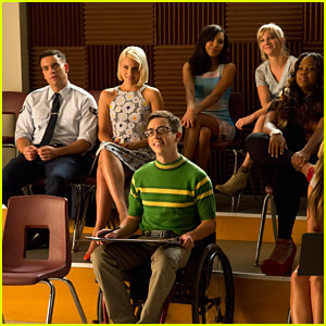 'Glee' Recap: [SPOILER] Got Engaged!