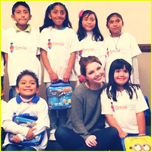 Sammi Hanratty Boards The 'Smile Train' To Mexico City