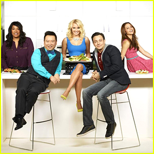 'Young & Hungry' Season Two Premieres March 25th!