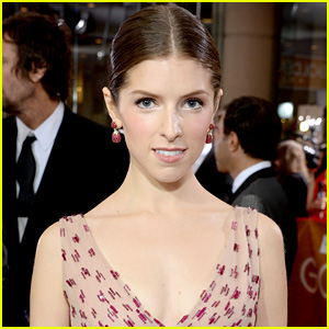 This is What Happens When Anna Kendrick Live Tweets Super Bowl 2015