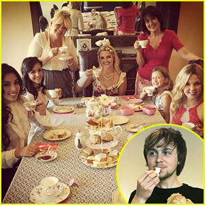 Ellington Ratliff Crashes Rydel Lynch's Tea Party & Steals A Scone